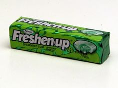 Freshen your breath with Freshen up - the gum that goes squirt.