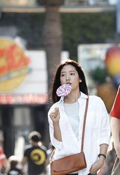 """Heirs"": Park Shin Hye & Kang Min Hyuk Flirt Over Their Sweet Tooth : Couch Kimchi Korean Actresses, Korean Actors, Actors & Actresses, Park Shin Hye, Gwangju, Kdrama, Lee Minh Ho, Choi Jin, Kang Min Hyuk"
