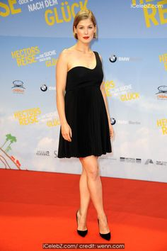 Rosamund Pike Premiere of 'Hector and the Search for Happiness' held at Zoo Palast http://icelebz.com/events/premiere_of_hector_and_the_search_for_happiness_held_at_zoo_palast/photo1.html