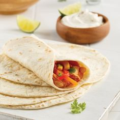 Chicken fajitas in the slow cooker - i cook Chicken Fajitas, Slow Cooker, Sandwiches, Tacos, Cooking, Ethnic Recipes, Sauce Barbecue, Nutrition, Ajouter