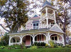Beautiful victorian home in Petoskey, Mi.