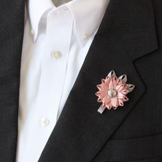 Mens Boutonniere, Grooms Flower, Mens Lapel Flower, Mens Wedding Flowers, Groomsmen Flower, Mens Wedding Boutonnieres, Father of the Bride by PetalPerceptions on Etsy https://www.etsy.com/listing/183253086/mens-boutonniere-grooms-flower-mens