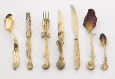 sculpted, crafted flatware Salvador Dali – Ménagère (Cutlery Set) 1957 Six pieces (silver-gilt) comprising of two forks, two knives and two enameled spoons. Salvador Dali, Cutlery Set, Flatware, Silver Cutlery, Silver Table, Silver Enamel, Disney Aesthetic, Land Art, The Little Mermaid