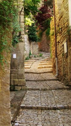 Narrow street in Vaison-la-Romaine, Provence, France ✯ ωнιмѕу ѕαη∂у La Provence France, Places To Travel, Places To See, Vaison La Romaine, Belle France, Beaux Villages, France Photos, French Countryside, South Of France
