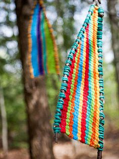 Sticks & Stones: 5 Outdoor Craft Ideas for Kids Tree Tapestry: This weaving project looks lovely as a mobile, but you can also use it as a net for catching fairies. (Note: Results not guaranteed. Camping Crafts, Fun Crafts, Crafts For Kids, Arts And Crafts, Outdoor Crafts, Outdoor Art, Outdoor Activities, Fun Activities, Educational Activities