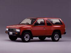 日産 テラノ SUV(スポーツ多目的車)ブームは、三菱・パジェロ(1982年)が仕掛け、日産・テラノ(86年)が引き継いだ。80年代のアウトドアブームの流行に乗るかたちで発表されたテラノは、当初はディーゼルエンジ