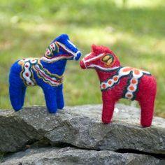 felt dala horses