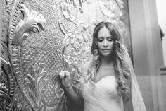 Las joyas más deseadas por la mujer. La moda y el estilo van de la mano, y saber elegir los accesorios para estar a la última es la clave. ¿Cuáles son esos comodines con los que nunca fallar?... #boda #novia #romantico #joyas #dorado #fotografia #castellon