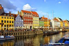 Restaurant Heering in København K, Region Hovedstaden View of Nyhavn canal! Denmark Street, Delicious Restaurant, Colourful Buildings, I Want To Travel, Future Travel, Copenhagen, Places To See, The Good Place, Travel Destinations