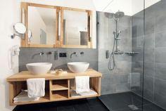 décoration de salle de bain grise bois meuble scandinave
