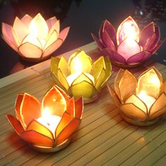 I LOVE lotus flowers, but for some reason didn't think of them for the wedding til today. Yes please!
