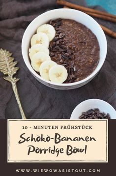 I love porridge in the morning. On the one hand it is a warming, filling breakfast and on the other hand it is prepared in a flash. Therefore, be sure to try this delicious chocolate banana porridge b Healthy Meal Prep, Healthy Dinner Recipes, Healthy Snacks, Breakfast Healthy, Porridge Recipes, Oats Recipes, Flour Recipes, Protein Shake Recipes, Smoothie Recipes