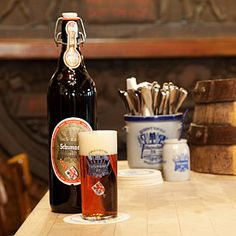 As the oldest brewery in Düsseldorf, the family Schumacher looks back on a tradition of the past. 175 years beer culture - find out more about the history of our brewery out, take a look behind the scenes and learn all about the art of brewing a really good dark beer.