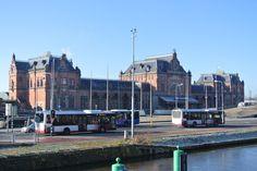 Station Groningen - - Met het.. Peerd van Ome Loeks (vertaald: Het paard van oom Lucas) kan worden gezien als een van de symbolen van de Nederlandse stad Groningen.