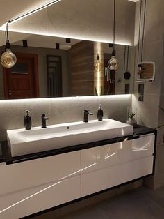Mariola M - gallery - large double sinks and black interior fittings in the bathroom - Bathroom inspiration, arrangements bathrooms - image gallery and videos Bathroom Images, Web Design Trends, Garage House, Bathroom Inspiration, Design Inspiration, Basin, Interior Design, Double Sinks, Fitted Wardrobes