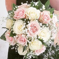 Bridal bouquet for Rheanna @westheathweddings congratulations Rheanna & Wayne #bridalbouquet #sweetavalanche #gypsophila #blush #wedding #bridestobe #johnsonwedding #sevenoaks #sevenoaksflorist #flowershop #wedding #kentbridestobe