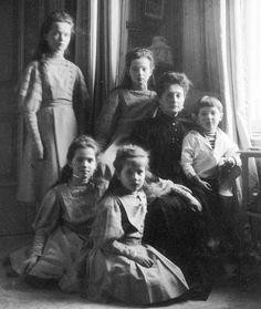 Empress Alexandra and her children