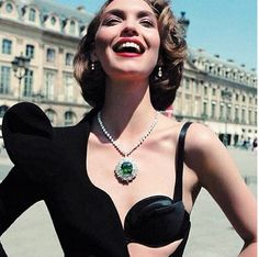 Every lady needs some Harry Winston bling!!