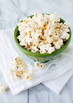 I always use an air popper, but this sounds like something I'd like to try. Perfect stovetop popcorn from Baked Bree.