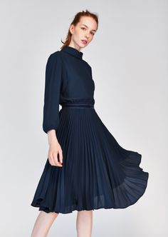 77df3c18ad6b Dark Blue Pleated Dress Arbejdsgarderobe