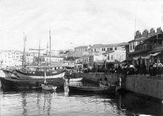 Heraklion, old port 1900 Greek Independence, Heraklion, Old Port, Minoan, Old Maps, Crete, Vintage Photos, The Past, Boat