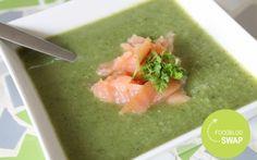 Broccolisoep met zalm (er wordt rijst gebruikt ipv room) - misschien lekker om niet alle broccoli te pureren maar wat stukjes over te laten ter garnering