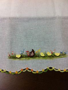 Pano de copa com botões , pintura e crochê