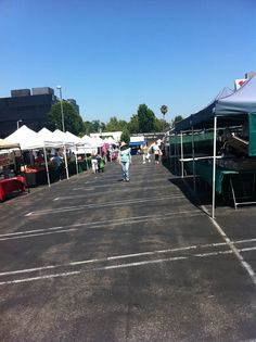 Tuesday is #marketday Sherman Oaks Tuesday Farmers' Market in California 2 - 7pm http://farmersmarketonline.com/fm/ShermanOaksTuesdayFarmersMarket.html