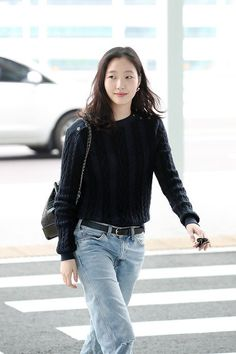 Kim Go Eun is Air Travel Fashion Goals Leaving Incheon Airport - A Koala& Playground Kim Go Eun Style, Korean Celebrities, Daily Look, Minimal Fashion, Fashion Beauty, Travel Fashion, Fashion Fashion, Fashion Outfits, Womens Fashion