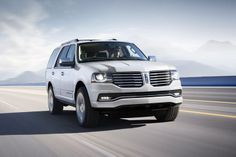 Lincoln рассекретил очередное поколение внедорожника Navigator http://carstarnews.com/lincoln/navigator/20149591