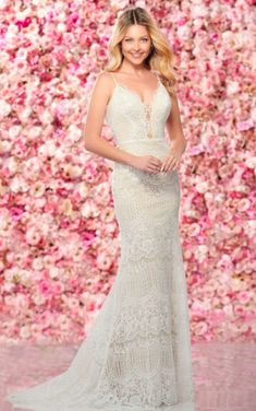Lace sheath bridal gown with beading and tulle W Dresses, Spring Dresses, Formal Dresses, Bridal Gowns, Wedding Gowns, Mon Cheri Bridal, Glamour, Wedding Dress Shopping, Dress Collection