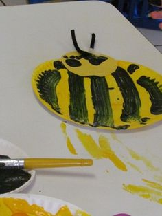 Paper plate bumble bees :)