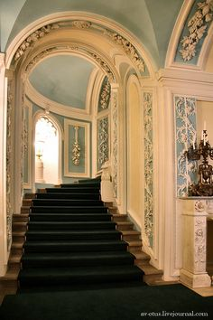 The Petrovsky Palace. The palace was built by the order of Catherine II in 1776-1780 after the victory in the Russian-Turkish war of 1768-1774 as a residence for nobility to rest after a long journey from St. Petersburg to Moscow.