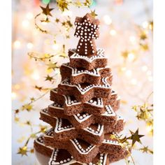 Chocolate Christmas tree on the festive table Christmas Buffet, Noel Christmas, Xmas, Hersheys, How To Read A Recipe, Love Holidays, Christmas Chocolate, Food Festival, Photo Tree