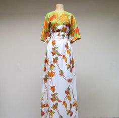 Vintage 1960s Kimono Dress / 60s Leslie Fay by RanchQueenVintage, $75.00
