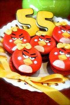 Angry bird~ macaron frances~ Mariana Zago