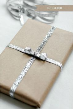 Как красиво и необычно упаковать новогодний подарок