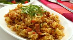 Arroz con jamón Chow Chow, Fried Rice, Risotto, Fries, Ethnic Recipes, Food, Japanese, Holiday, Paella