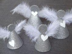 Christmas Decoration Tutorial: Angels (Creative Hobbies) - - Angels We Have Heard. Diy Christmas Ornaments, Christmas Angels, Christmas Projects, Christmas Art, Holiday Crafts, Christmas Wreaths, Angel Crafts, Theme Noel, Xmas Decorations