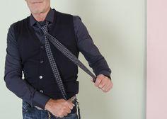 #rionefontana #buongiorno #goodmorning #fashion #moda #uomo #man #camicia #shirt #borsa #gilet #PaoloPecora #cravatta #Eleventy #FW1617 #AI1617 #new #collection #autumn #winter #autunno #inverno