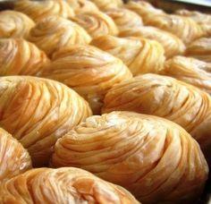Gül Baklavası Tarifi Healthy Eating Tips, Healthy Nutrition, Lucky Food, Tandoori Masala, Sweet Pastries, Empanadas, Vegetable Drinks, Turkish Recipes, Food Humor
