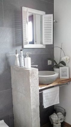 a mirror for the guest bathroom – diy bathroom decor Bathroom Wall Shelves, Bathroom Sets, Small Bathroom, Diy Bathroom, Concrete Bathroom, Diy Concrete, Concrete Blocks, Master Bathroom, Bad Inspiration