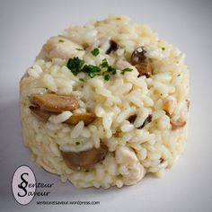Risotto au poulet et aux champignons 250 g arborio rice for risotto 2 chicken cutlets 200 g fresh or frozen button mushrooms 1 shallot 1 cube of chicken broth 10 cl semi-thick crème fraîche or fat) Parmesan Salt, pepper Italian Snacks, Italian Recipes, Couscous, Arborio Rice, Quinoa, Parmesan Risotto, Stuffed Mushrooms, Stuffed Peppers, Risotto