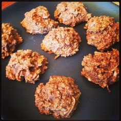 Coconut Oatmeal Cookies (Gluten Free & Vegan) // modifications: sub coconut flour for rice flour, use 1/4 cup truvia instead of syrup or sugar, melt coconut oil slightly