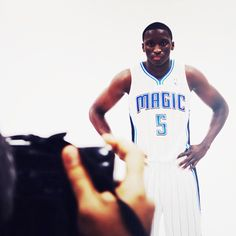 How did they catch him in such a serious pose- Oladipo -   #IUCollegeBasketball