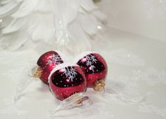 Delightful White Snow Scene - Collection of 3 Mini Cranberry Red Hand Painted Christmas Balls with Glittering White Snow, Christmas Gift