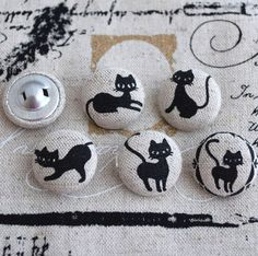 5 Japanese Linen Fabric Covered Sewing Buttons, cat design