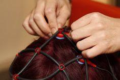 Chance für Schlaganfall-Betroffene von Neurofeedbacks zu profitieren. Gleichzeitig helfen, die Methoden zur Rehabilitation nach Schlaganfällen weiter zu entwickeln.  http://www.info-graz.at/gesundheit-medizin-alternativmedizin-krankheit-ernaehrung-heilen-krank-gesund/news/9963_schlaganfall-wiederherstellen-trainingserfolg-risikofrei-grazer-frauen-training-maenner-uni-graz/