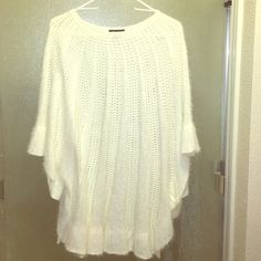 White Poncho knitted blouse Never worn Lauren Michelle knitted Autumn wear. Lauren Michelle Tops Blouses