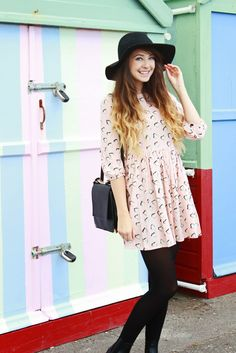 I am so inspired by Zoella not only because she has one the best positive attitudes, but also her fashion senses on everything! From hair to clothes and even decoration ;D Zoella Zoella Outfits, Cute Outfits, Zoella Style, Zoella Beauty, Zoe Sugg, Smock Dress, Swing Dress, Trends, Spring Summer Fashion